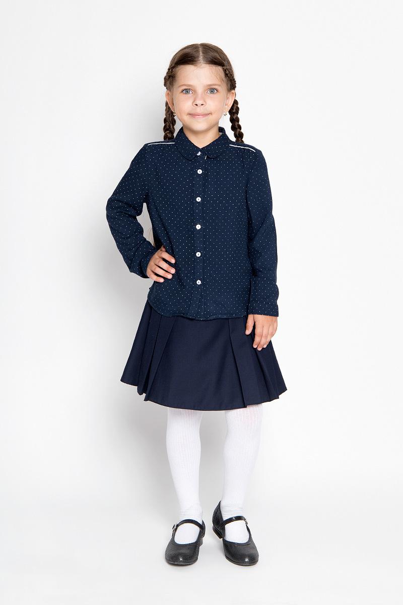 БлузкаB-612/011-6361Блузка для девочки Sela, выполненная из мягкой вискозы, займет достойное место в гардеробе юной модницы. Материал изделия тактильно приятный, не сковывает движения и хорошо пропускает воздух. Блузка с отложным воротником и длинными рукавами имеет свободный силуэт. Модель застегивается спереди на пуговицы. На рукавах предусмотрены манжеты с застежками-пуговицами. Спинка блузки удлинена. Оформлено изделие принтом в мелкий горошек. Блузка отлично сочетается с юбками и брюками. В ней ваша принцесса всегда будет в центре внимания!