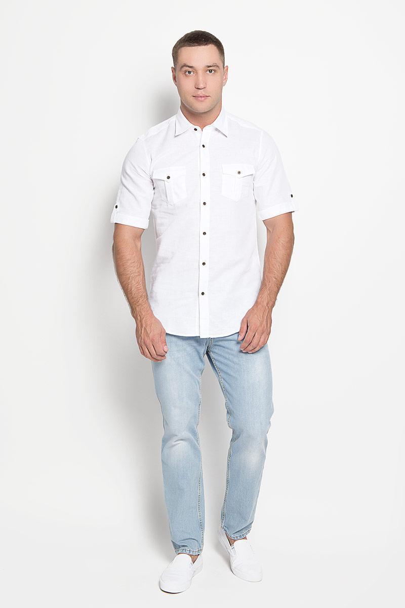 РубашкаSW 80_01Мужская рубашка KarFlorens, изготовленная из хлопка и льна, необычайно мягкая и приятная на ощупь, она не сковывает движения и позволяет коже дышать, обеспечивая комфорт. Модель приталенного кроя с короткими рукавами и отложным воротником застегивается на металлические пуговицы, которые декорированы названием бренда. Рукава дополнены отворотами с хлястиками на пуговицах. На груди предусмотрены два накладных кармана с клапанами, которые также застегиваются на пуговицы. Низ изделия имеет округлую форму. Такая рубашка станет идеальным вариантом для повседневного гардероба. Она порадует настоящих ценителей комфорта и практичности!