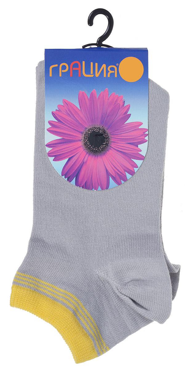 H 001Удобные женские носки Грация, изготовленные из высококачественного комбинированного материала, очень мягкие и приятные на ощупь, позволяют коже дышать. Эластичная резинка плотно облегает ногу, не сдавливая ее, обеспечивая комфорт и удобство. Носки с укороченным паголенком оформлены полосками контрастного цвета в верхней части носка. Удобные и комфортные носки великолепно подойдут к любой вашей обуви.