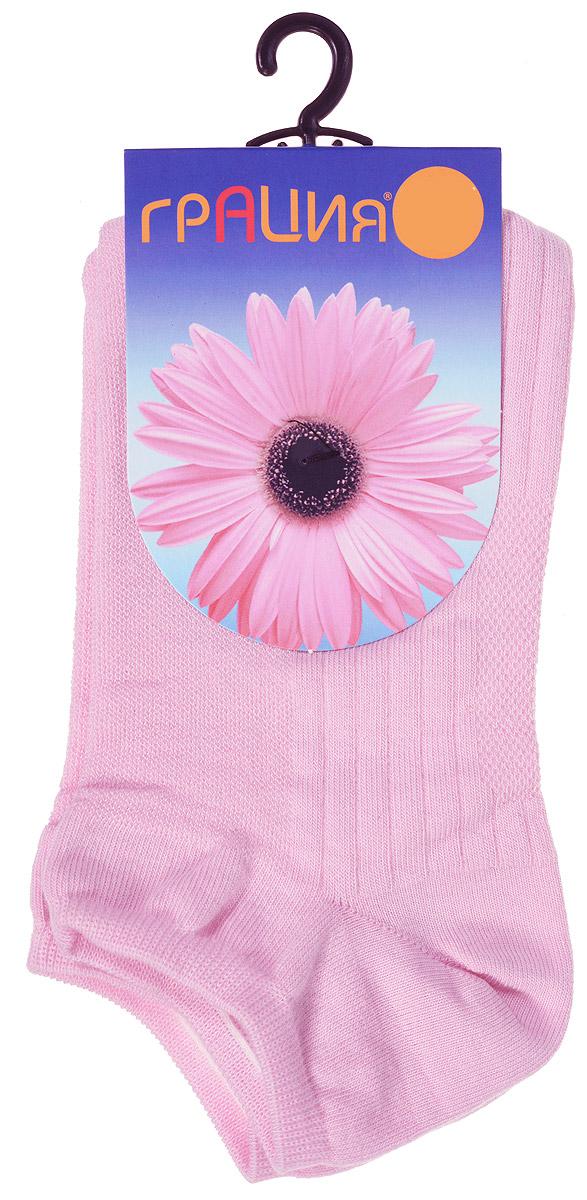 НоскиМ 1405Удобные женские носки Грация, изготовленные из высококачественного комбинированного материала, очень мягкие и приятные на ощупь, позволяют коже дышать. Эластичная резинка плотно облегает ногу, не сдавливая ее, обеспечивая комфорт и удобство. Носки с укороченным паголенком оформлены рельефными полосками. Удобные и комфортные носки великолепно подойдут к любой вашей обуви.