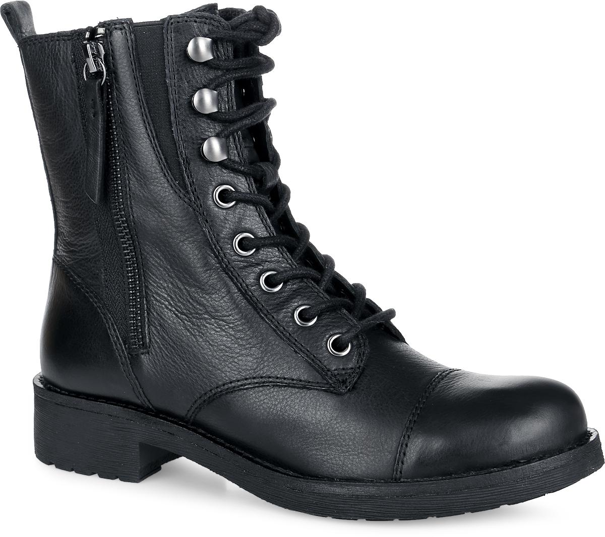 D5451A-00085-C9999Оригинальные высокие женские ботинки от Geox заинтересуют вас своим дизайном с первого взгляда! Модель выполнена из натуральной кожи, оформлена прострочкой и декоративной молнией на одной из боковых сторон. Вдоль ранта ботинки дополнены крупной прострочкой. Эластичная вставка обеспечивает идеальную посадку модели на ноге. Боковая застежка-молния позволяет легко обувать и снимать ботинки, а функциональная шнуровка обеспечивает идеальную фиксацию обуви. Ярлычок на заднике облегчает обувание модели. Подкладка из текстиля и стелька частично из натуральной кожи защитят ноги от холода и обеспечат комфорт. Перфорированная подошва выполнена по инновационной системе Respira, которая способствует потовыведению, создавая идеальный микроклимат внутри обуви. Умеренной высоты каблук и подошва с рифленым рисунком обеспечивают отличное сцепление с поверхностью. В этих ботинках вашим ногам будет комфортно и уютно. Они подчеркнут ваш стиль и индивидуальность.