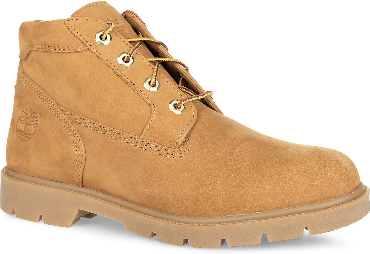Ботинки мужские Basic Chukka Wheat. TBL22039MTBL22039MСтильные мужские ботинки Basic Chukka Wheat от Timberland заинтересуют вас своим дизайном с первого взгляда! Модель изготовлена из натурального нубука с эксклюзивной технологией Anti- Fatigue. Герметичная водонепроницаемая конструкция сохранит ноги сухими в любую погоду. Обувь оформлена сбоку фирменным тиснением, на язычке - тисненым названием бренда. Классическая шнуровка прочно зафиксирует обувь на вашей ноге. Подкладка и стелька из текстиля комфортны при движении. Прочная подошва с рельефным протектором гарантирует отличное сцепление с любой поверхностью. Модные ботинки займут достойное место среди вашей коллекции обуви.