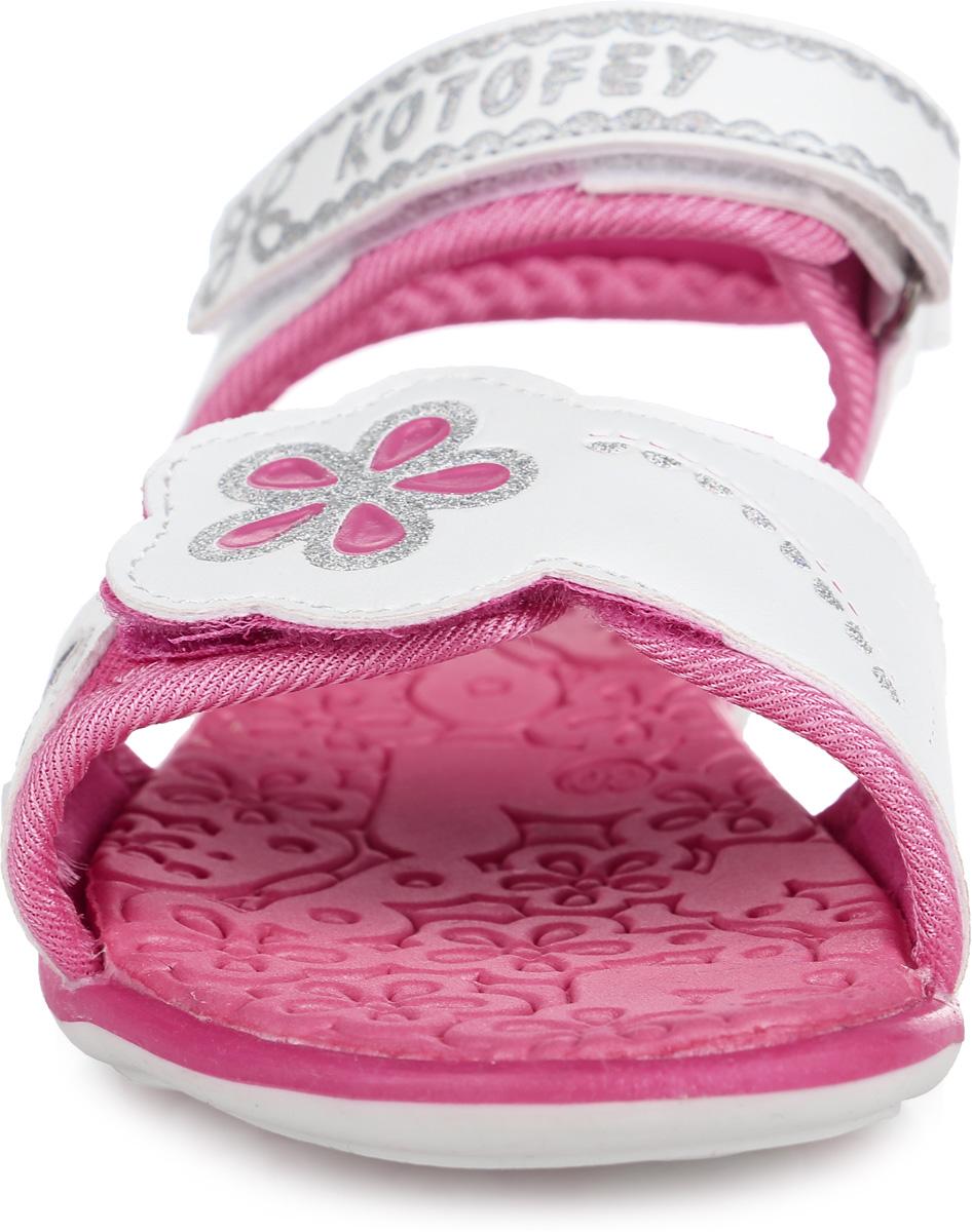 Сандалии для девочки. 523046-11