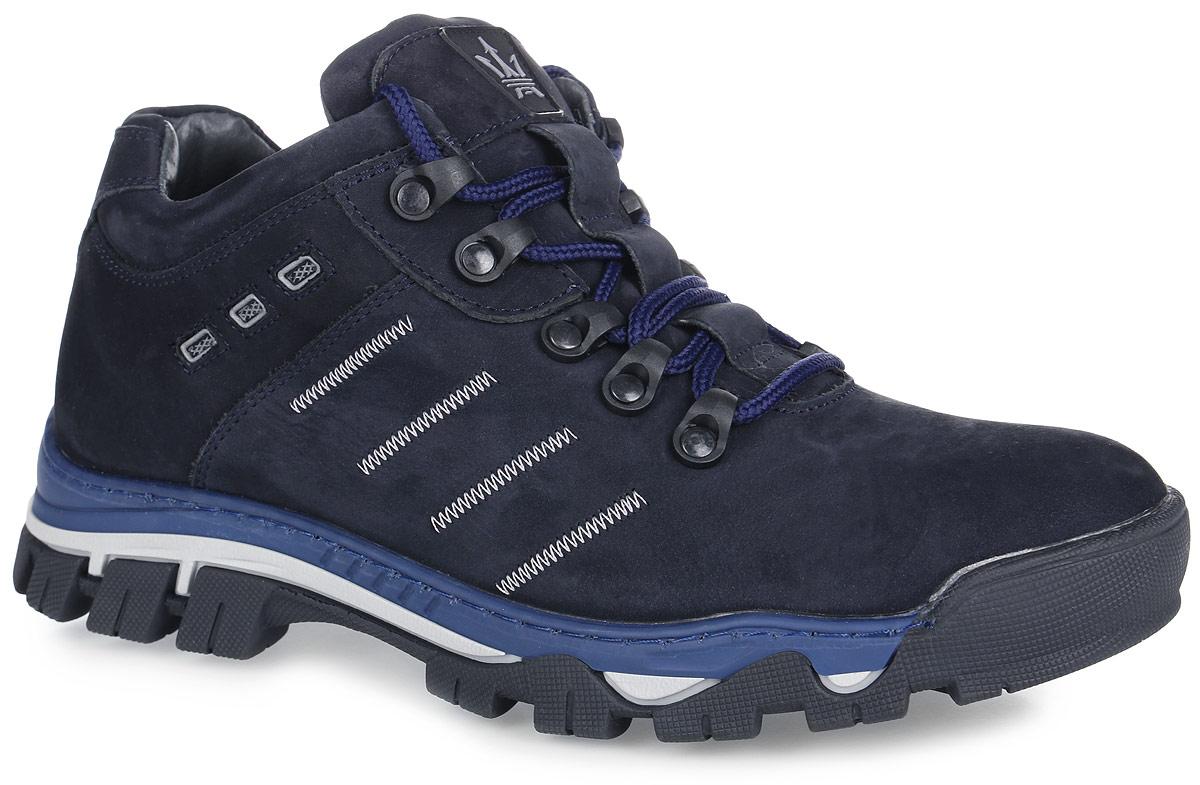 41RS_4942_4_D.BLUE.NСтильные мужские ботинки от Spur заинтересуют вас своим дизайном с первого взгляда! Модель изготовлена из натурального нубука и оформлена по бокам декоративной прострочкой, на язычке - декоративной нашивкой. Классическая шнуровка прочно зафиксирует обувь на вашей ноге. Подкладка и стелька из шерсти не дадут ногам замерзнуть. Подошва с рельефным протектором гарантирует отличное сцепление с любой поверхностью. Модные ботинки займут достойное место среди вашей коллекции обуви.