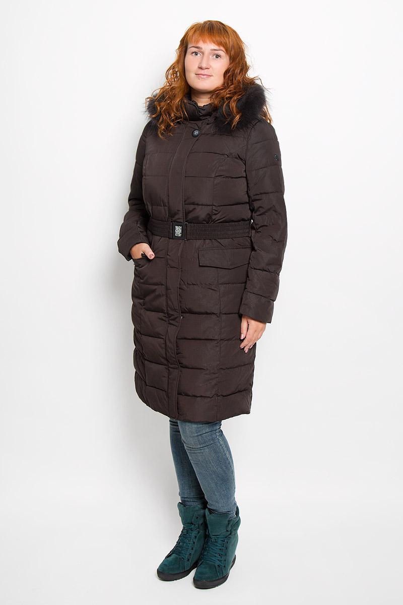 Пальто женское. A16-11000A16-11000_616Удобное женское пальто Finn Flare согреет вас в прохладную погоду и позволит выделиться из толпы. Удлиненная модель с длинными рукавами и воротником-стойкой выполнена из прочного полиэстера, застегивается на молнию спереди. Пальто имеет съемный капюшон на кнопках, объем которого регулируется при помощи шнурка-кулиски со стопперами. Изделие дополнено двумя накладными карманами на клапанах с кнопками спереди. Пальто оформлено оригинальным орнаментом и дополнено съемным ремнем с застежкой-защелкой. Плотный наполнитель из синтепона надежно сохранит тепло, благодаря чему такое пальто защитит вас от ветра и холода. Это модное и в то же время комфортное пальто - отличный вариант для прогулок, оно подчеркнет ваш изысканный вкус и поможет создать неповторимый образ.