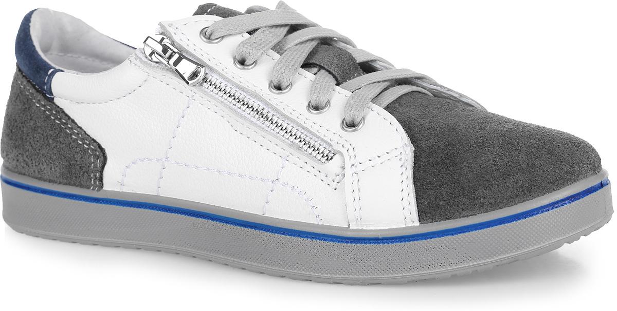 632191-21Модные кеды от Котофей приведут в восторг вашего мальчика! Модель, выполненная из натуральной кожи и замши, оформлена декоративной отстрочкой. Кожаная подкладка абсорбирует образующуюся внутри обуви влагу, стелька из натуральной кожи с небольшим супинатором, дублированная мягким вспененным материалом, обладает свойствами гигроскопичности и воздухопроницаемости. Литьевой метод крепления подошвы, при котором в наибольшей степени учитываются анатомические особенности стопы, обеспечивает обуви максимальную прочность, необходимую гибкость и минимальный вес. В ней нет жесткой основной стельки, а вместо нее использована легкая и эластичная втачная, что снижает вес и улучшает гибкость изделия. Мягкий манжет на заднике создает комфорт при ходьбе и предотвращает натирание ноги. Удобная застежка - комбинация шнурков и молнии позволяет легко обувать и снимать полуботинки и в то же время, благодаря шнуркам, гарантирует плотное прилегание обуви по стопе. Рифление на подошве обеспечит отличное...