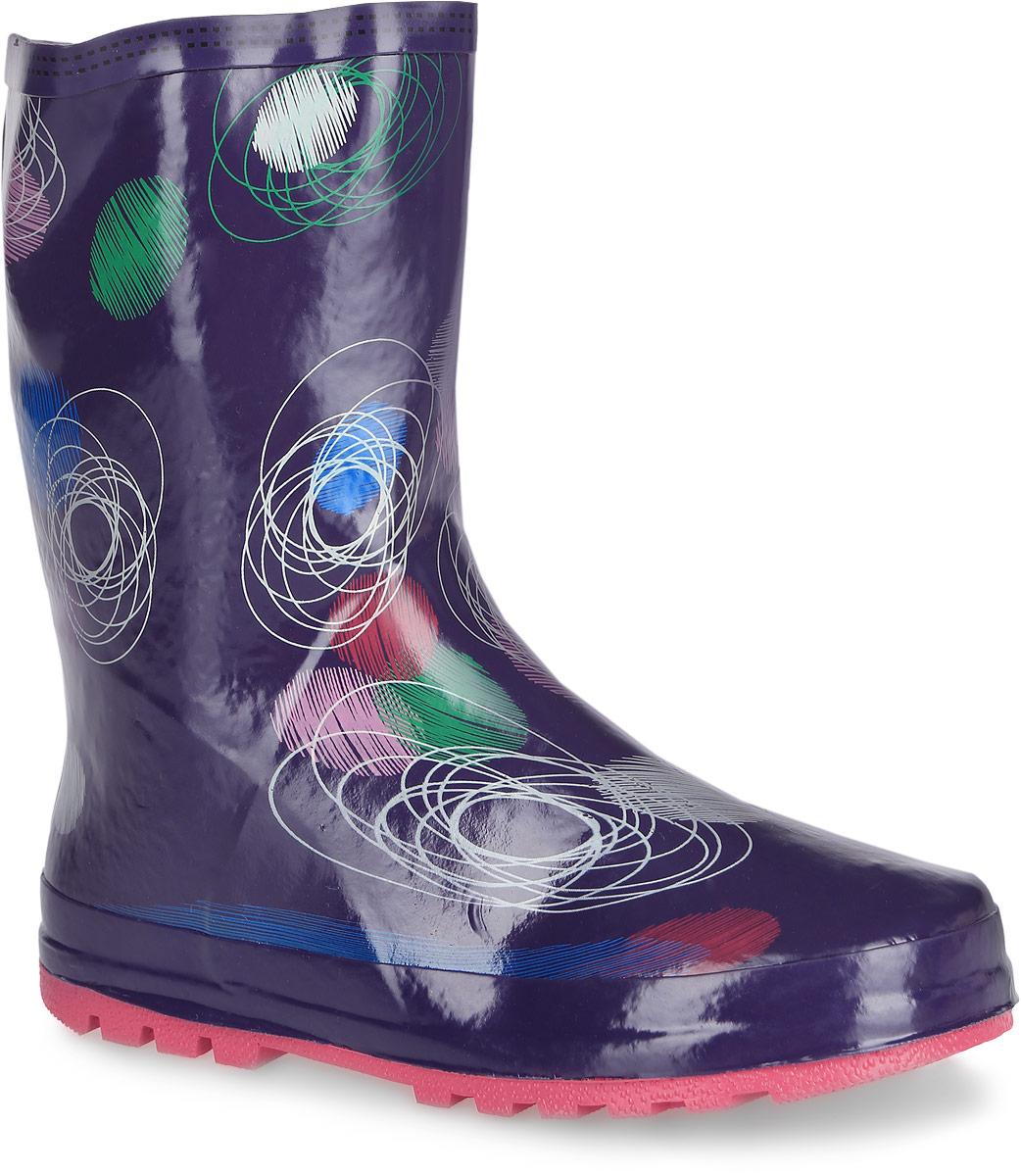 Сапоги резиновые для девочки. 124031124031Яркие резиновые сапоги от Scool - идеальная обувь в дождливую погоду для вашей дочурки. Сапоги, выполненные из резины и оформлены оригинальным принтом. Внутренняя поверхность из хлопка и съемная стелька из ЭВА материала с поверхностью из хлопкового текстиля комфортны при ходьбе. Подошва с протектором гарантируют отличное сцепление с любой поверхностью. Резиновые сапоги - необходимая вещь в гардеробе каждой девочки.