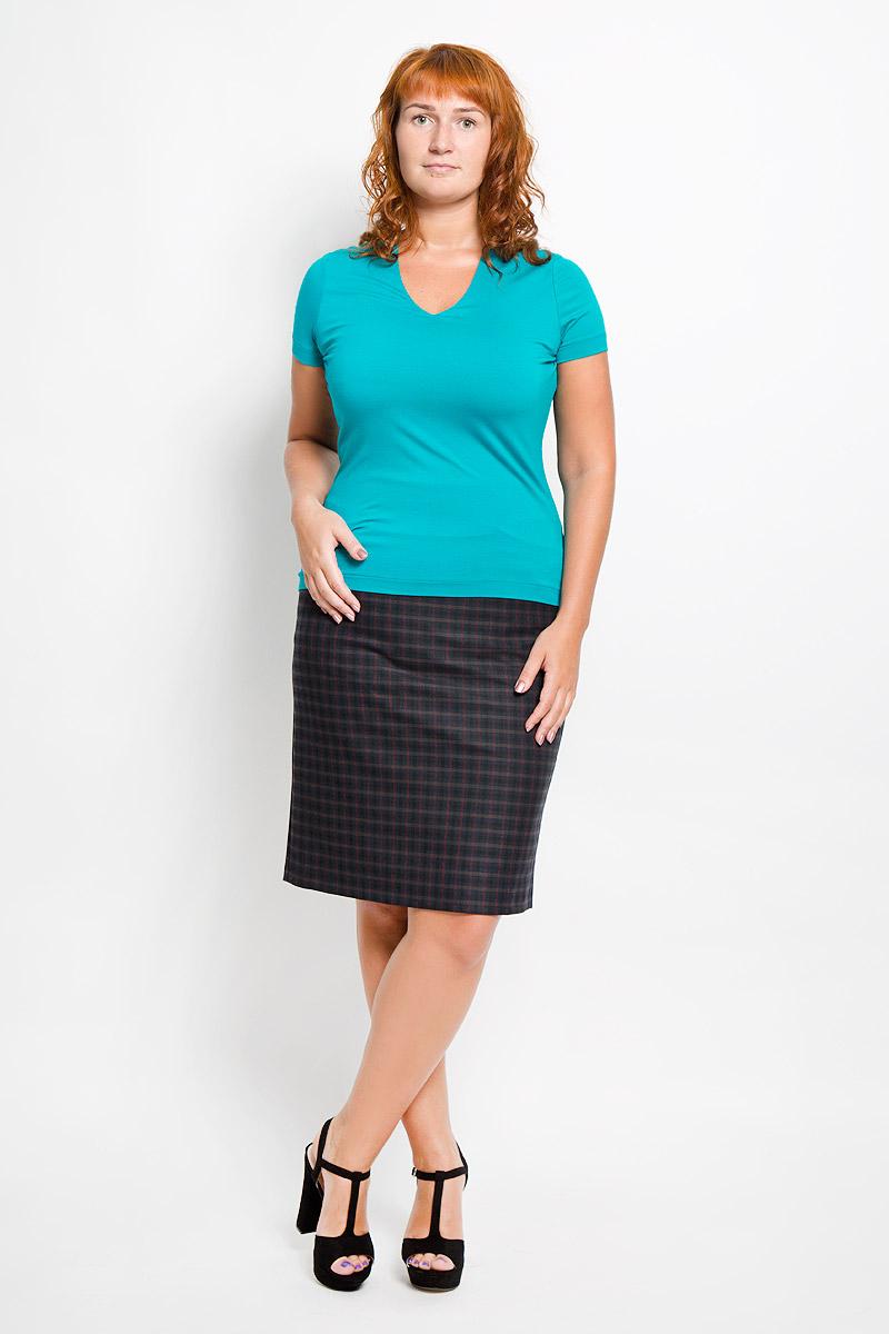 Юбка Тренд. 06-520-02306-520-023Эффектная юбка Affari выполнена из эластичной вискозы с добавлением полиэстера, она обеспечит вам комфорт и удобство при носке. Элегантная юбка средней длины застегивается на застежку-молнию сзади. Спереди расположены два втачных кармана. Модель оформлена классическим узором в клетку. Модная юбка-миди выгодно освежит и разнообразит ваш гардероб. Создайте женственный образ и подчеркните свою яркую индивидуальность! Классический фасон и оригинальное оформление этой юбки сделают ваш образ непревзойденным.
