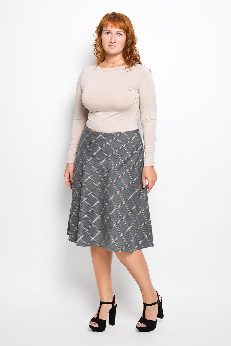 ЮбкаA16-12089_101Эффектная юбка Finn Flare выполнена из полиэстера с добавлением вискозы, она обеспечит вам комфорт и удобство при носке. Элегантная юбка средней длины застегивается на застежку-молнию сбоку. Юбка оформлена узором в узкую клетку. Модная юбка-миди выгодно освежит и разнообразит ваш гардероб. Создайте женственный образ и подчеркните свою яркую индивидуальность! Классический фасон и оригинальное оформление этой юбки сделают ваш образ непревзойденным.