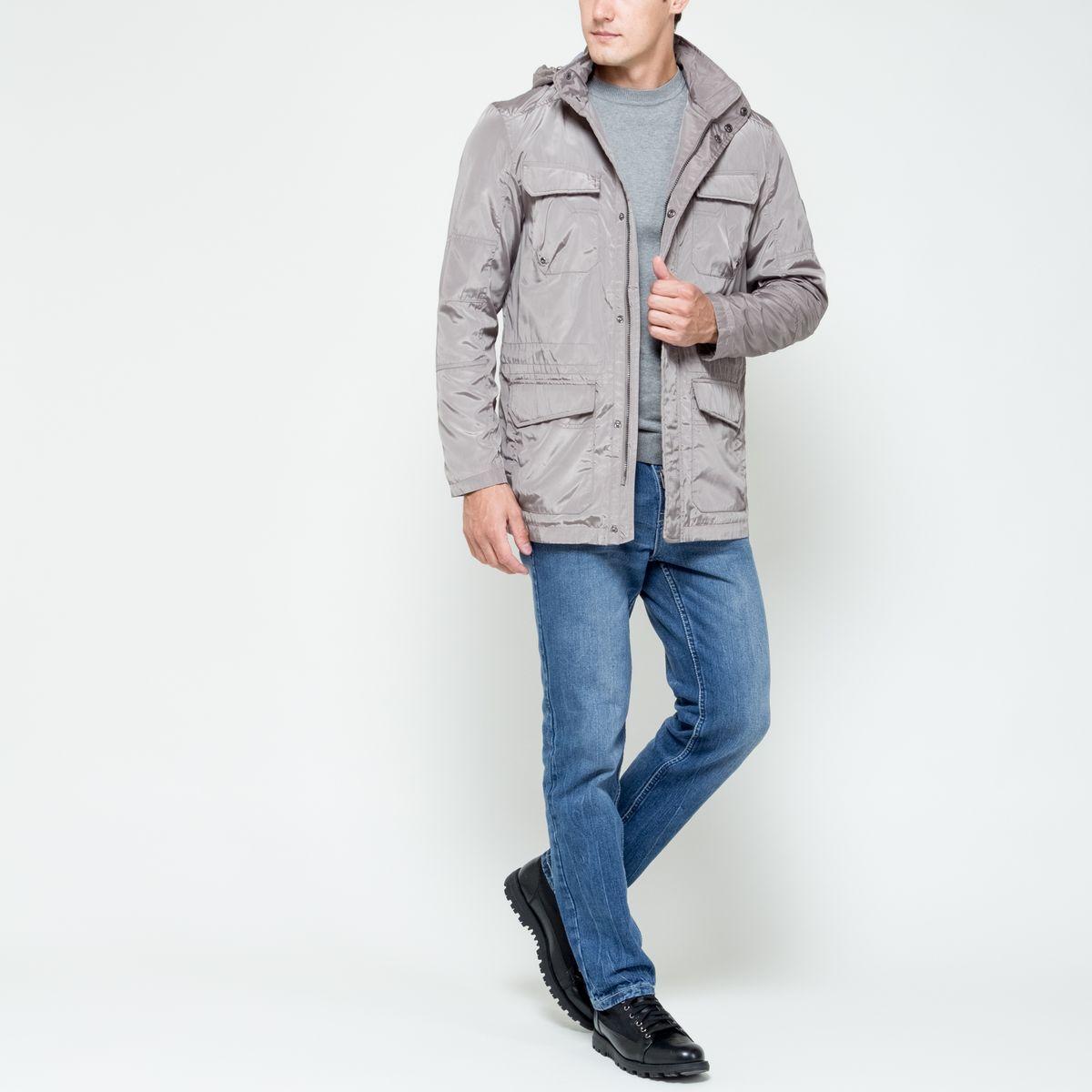 КурткаCWB-226/350-6331Стильная мужская куртка Sela Casual Wear изготовлена из высококачественного полиэстера. Куртка с воротником-стойкой и съемным капюшоном застегивается на застежку-молнию и дополнительно на ветрозащитный клапан с кнопками. Капюшон пристегивается к куртке с помощью застежки-молнии. Спереди расположены четыре накладных кармана на клапанах с кнопками, с внутренней стороны - прорезной карман на кнопке. Капюшон оснащен эластичными шнурками со стопперами. С внутренней стороны, на талии модель регулируется с помощью эластичного шнурка со стоппером.
