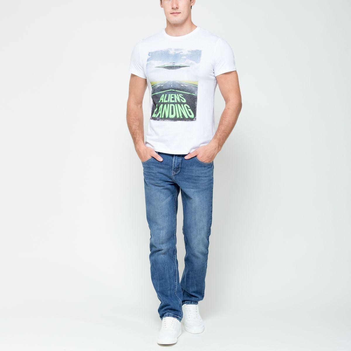 ФутболкаTs-211/1080-6332Стильная мужская футболка Sela Casual Wear выполнена из натурального хлопка. Модель с круглым вырезом горловины и короткими рукавами оформлена оригинальным принтом спереди. Горловина дополнена трикотажной резинкой.