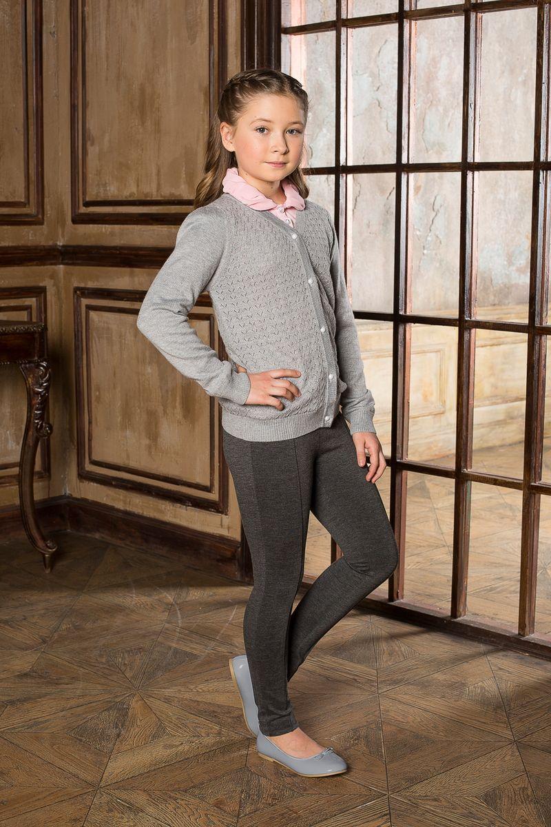 Жакет205635Вязаный жакет с V-образным вырезом, на пуговицах с ажурной вязкой. Идеально подходит для школы и повседневной жизни.