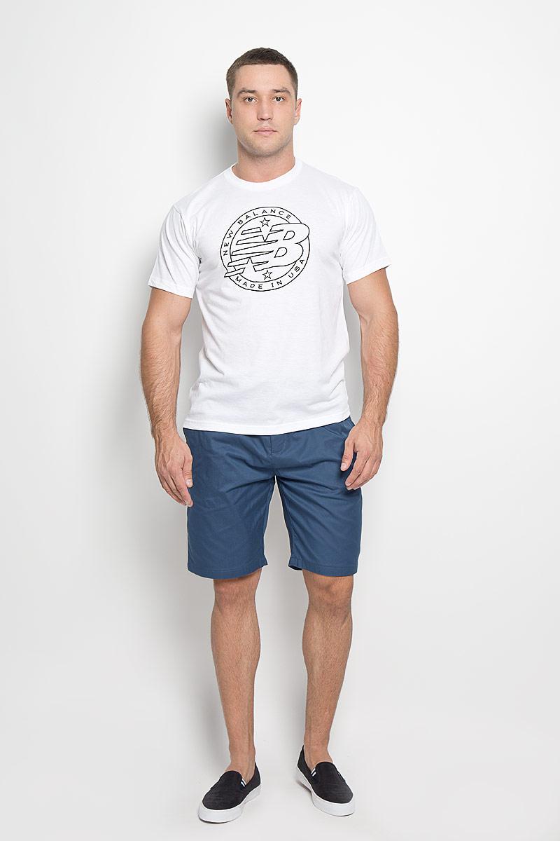 Футболка мужская Emblem Tee. MT63519MT63519/AGМужская футболка New Balance Emblem Tee, выполненная из хлопка и полиэстера, идеально подойдет для активного отдыха, прогулок или занятий спортом. Ткань тактильно приятная, обеспечивает идеальную посадку по фигуре, не сковывает движения и хорошо вентилируется. Футболка с короткими рукавами и круглым вырезом горловины имеет прямой силуэт. Вырез горловины дополнен трикотажной резинкой. Изделие оформлено логотипом New Balance. Такая модель будет дарить вам комфорт в течение всего дня и станет отличным дополнением к вашему гардеробу!