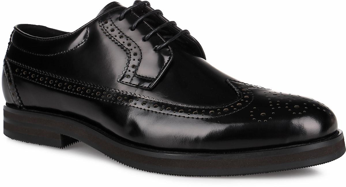 Броги мужские. M23614M23614Стильные мужские броги от Vitacci придутся вам по душе. Модель изготовлена из натуральной кожи. Подъем дополнен шнуровкой, которая надежно зафиксирует обувь на вашей ноге. Мыс изделия декорирован ажурной перфорацией. Подкладка из натуральной кожи обеспечивает дополнительный комфорт и предотвращает натирание. Стелька из натуральной кожи позволит ногам дышать. Эластичная подошва выполнена из термополиуретана. Стильные броги - необходимая вещь в гардеробе каждого мужчины.