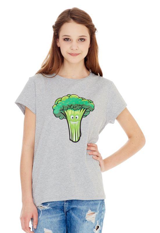 1313216540_02Женская футболка выполнена из хлопка с добавлением спандекса и оформлена ярким принтом. Модель со стандартным коротким рукавом и круглым вырезом горловины. Ассиметричный низ дополнен разрезами.