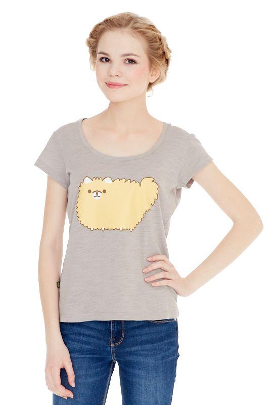 1310716503_70Женская футболка выполнена из 100% хлопка и оформлена ярким принтом. Модель со стандартным коротким рукавом и круглым вырезом горловины.