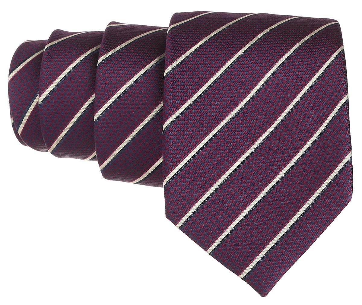 Галстук. 12.01410612.014106Стильный галстук BTC станет отличным завершающим штрихом вашего образа. Этот модный аксессуар порадует вас высоким качеством исполнения и современным дизайном. Изделие полностью выполнено из качественного шелка. Галстук оформлен оригинальным принтом. Такой оригинальный галстук подойдет как к повседневному, так и к официальному наряду, он позволит вам подчеркнуть свою индивидуальность и создать свой неповторимый стиль.