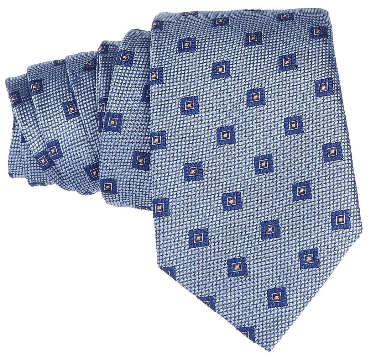 Галстук. 12.01577812.015778Стильный галстук BTC станет отличным завершающим штрихом вашего образа. Этот модный аксессуар порадует вас высоким качеством исполнения и современным дизайном. Изделие полностью выполнено из качественного шелка. Галстук оформлен оригинальным принтом. Такой оригинальный галстук подойдет как к повседневному, так и к официальному наряду, он позволит вам подчеркнуть свою индивидуальность и создать свой неповторимый