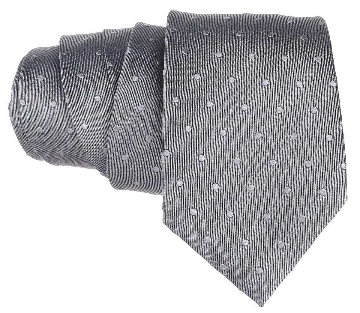 Галстук. 12.01549412.015494Стильный галстук BTC станет отличным завершающим штрихом вашего образа. Этот модный аксессуар порадует вас высоким качеством исполнения и современным дизайном. Изделие полностью выполнено из качественного шелка. Галстук оформлен оригинальным принтом. Такой оригинальный галстук подойдет как к повседневному, так и к официальному наряду, он позволит вам подчеркнуть свою индивидуальность и создать свой неповторимый стиль.