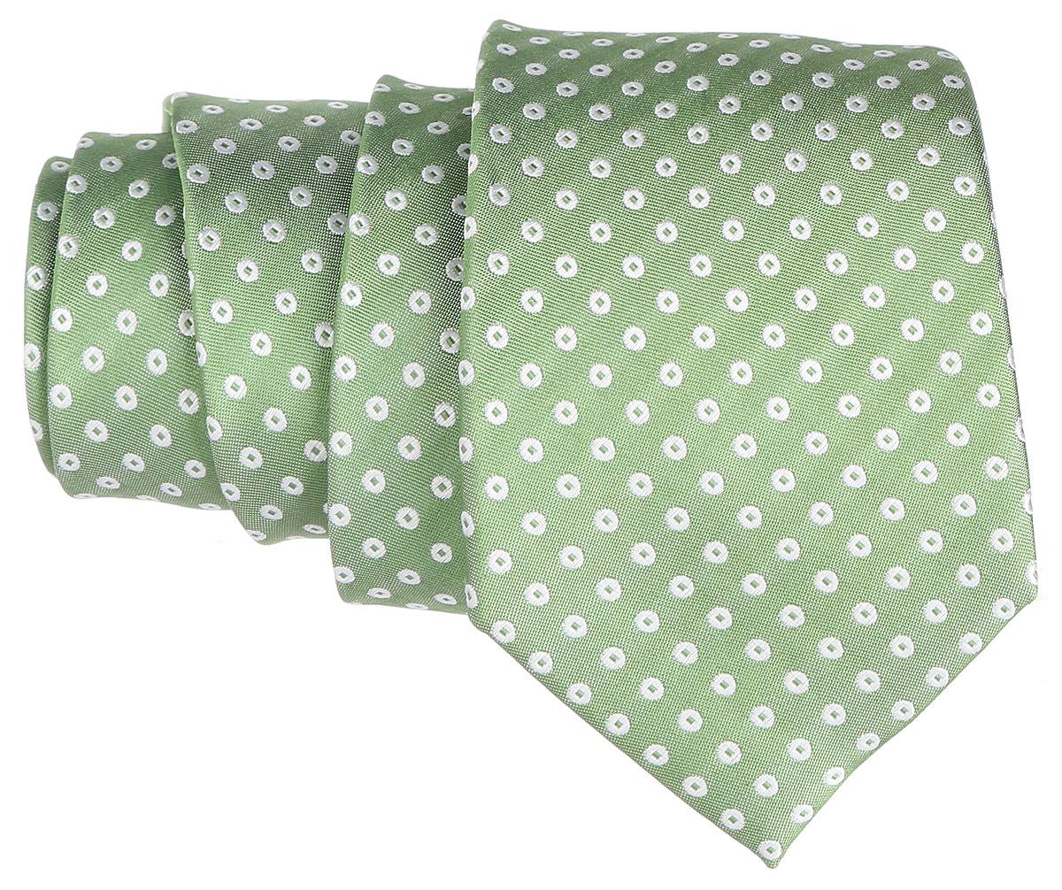 Галстук. 12.01524012.015203Стильный галстук BTC станет отличным завершающим штрихом вашего образа. Этот модный аксессуар порадует вас высоким качеством исполнения и современным дизайном. Изделие полностью выполнено из качественного шелка. Галстук оформлен оригинальным принтом. Такой оригинальный галстук подойдет как к повседневному, так и к официальному наряду, он позволит вам подчеркнуть свою индивидуальность и создать свой неповторимый стиль.