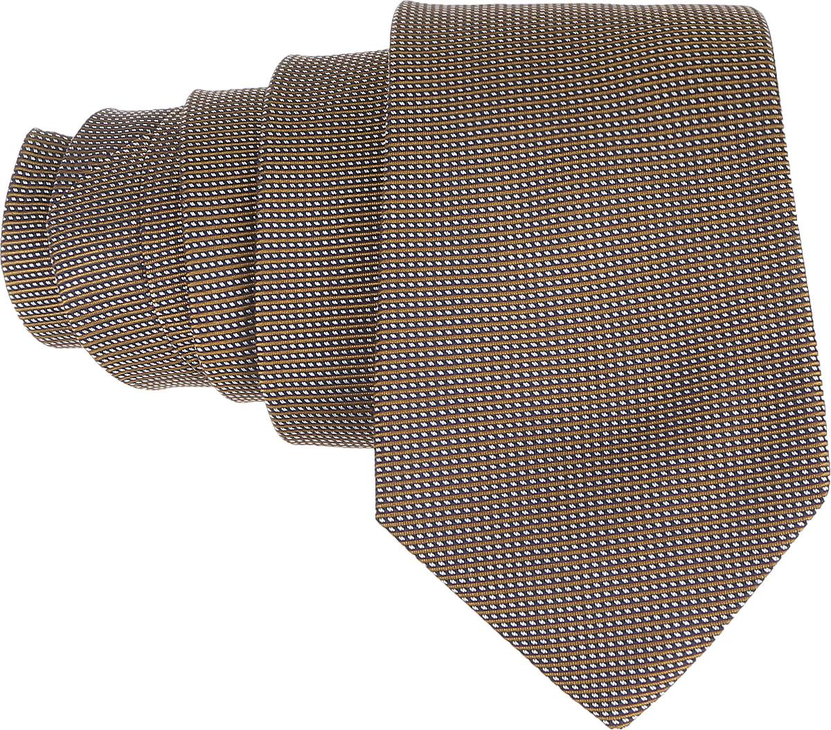 Галстук. 12.01411312.014112Стильный галстук BTC станет отличным завершающим штрихом вашего образа. Этот модный аксессуар порадует вас высоким качеством исполнения и современным дизайном. Изделие полностью выполнено из качественного шелка. Галстук оформлен оригинальным принтом. Такой оригинальный галстук подойдет как к повседневному, так и к официальному наряду, он позволит вам подчеркнуть свою индивидуальность и создать свой неповторимый стиль.