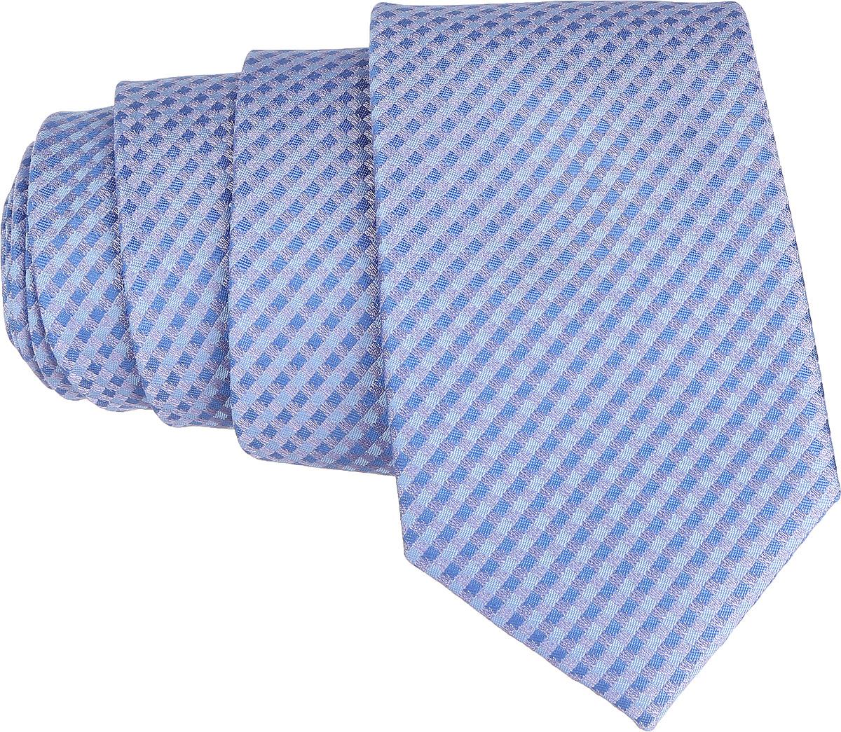 Галстук. 12.01852512.018520Стильный галстук BTC станет отличным завершающим штрихом вашего образа. Этот модный аксессуар порадует вас высоким качеством исполнения и современным дизайном. Изделие полностью выполнено из качественного полиэстера. Галстук оформлен оригинальным принтом. Такой оригинальный галстук подойдет как к повседневному, так и к официальному наряду, он позволит вам подчеркнуть свою индивидуальность и создать свой неповторимый стиль.