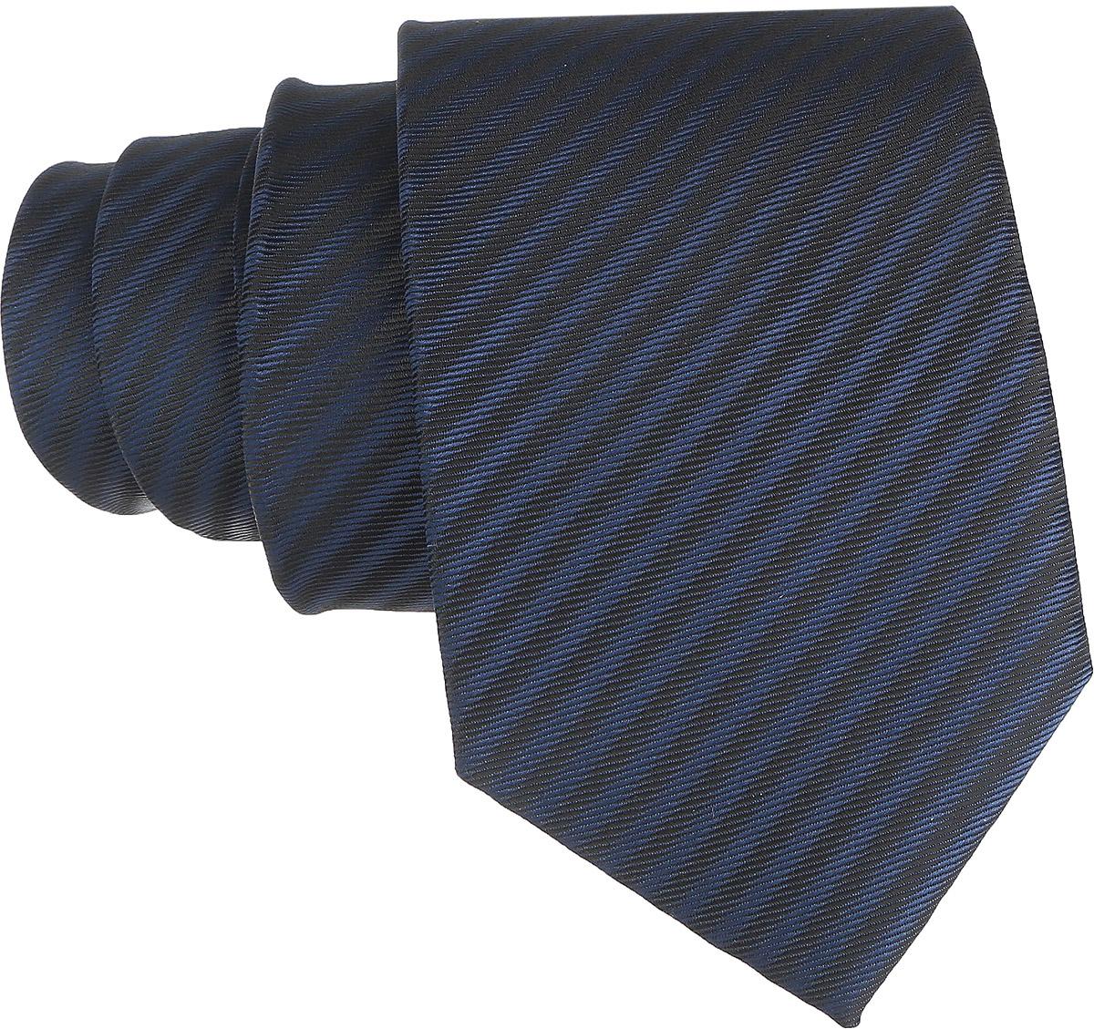 Галстук. 12.01513412.015134Стильный галстук BTC станет отличным завершающим штрихом вашего образа. Этот модный аксессуар порадует вас высоким качеством исполнения и современным дизайном. Изделие полностью выполнено из качественного полиэстера. Галстук оформлен оригинальным принтом. Такой оригинальный галстук подойдет как к повседневному, так и к официальному наряду, он позволит вам подчеркнуть свою индивидуальность и создать свой неповторимый стиль.
