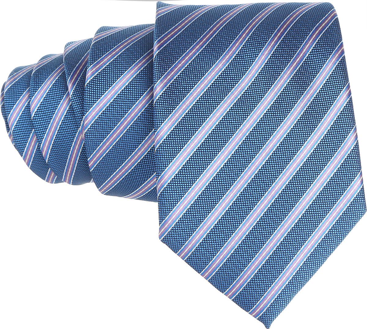 Галстук. 12.01851612.018515Стильный галстук BTC станет отличным завершающим штрихом вашего образа. Этот модный аксессуар порадует вас высоким качеством исполнения и современным дизайном. Изделие полностью выполнено из качественного полиэстера. Галстук оформлен оригинальным принтом. Такой оригинальный галстук подойдет как к повседневному, так и к официальному наряду, он позволит вам подчеркнуть свою индивидуальность и создать свой неповторимый стиль.
