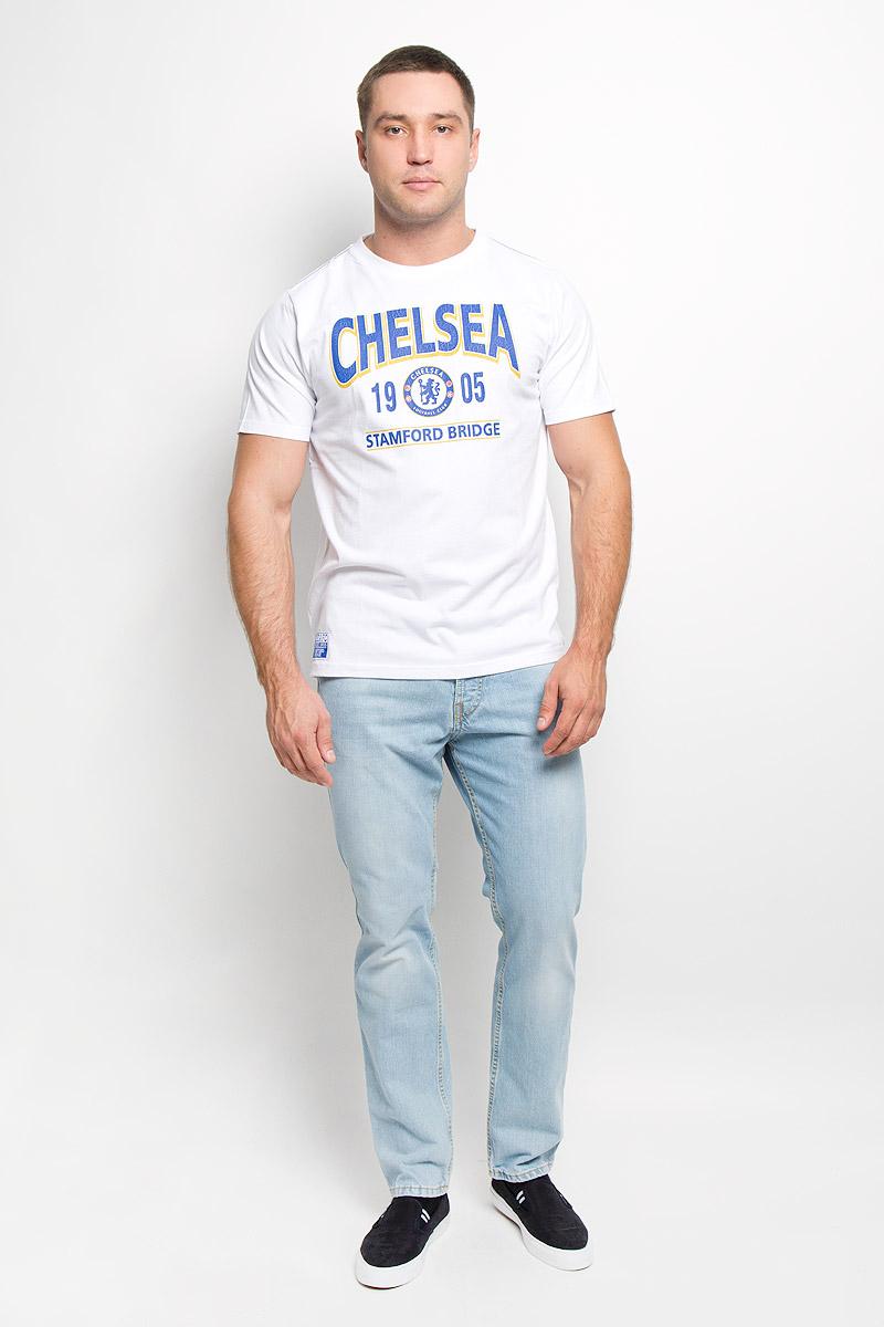 8720Стильная мужская футболка Chelsea, выполненная из высококачественного мягкого хлопка, обладает высокой теплопроводностью, воздухопроницаемостью и гигроскопичностью, позволяет коже дышать. Модель с короткими рукавами и круглым вырезом горловины оформлена термоаппликацией в виде эмблемы футбольного клуба, а также надписью Chelsea 1905 Stamford Bridge с эффектом потрескавшейся краски. Горловина дополнена трикотажной эластичной резинкой. В такой футболке вы будете чувствовать себя уверенно и комфортно.