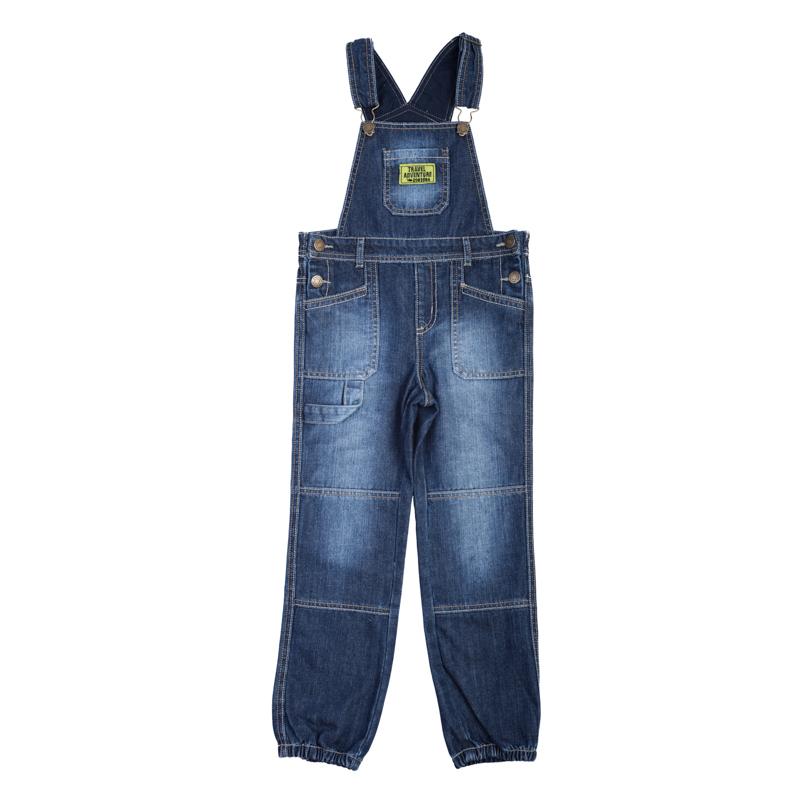 Джинсы361016Стильный джинсовый полукомбинезон. Застегивается на кнопки с имитацией пуговок - выглядит стильно, но при этом очень удобно, ребенок справится самостоятельно. Бретели регулируются по длине, есть 4 функциональных кармана и шлевки для ремня. Низ штанишек на резинке.