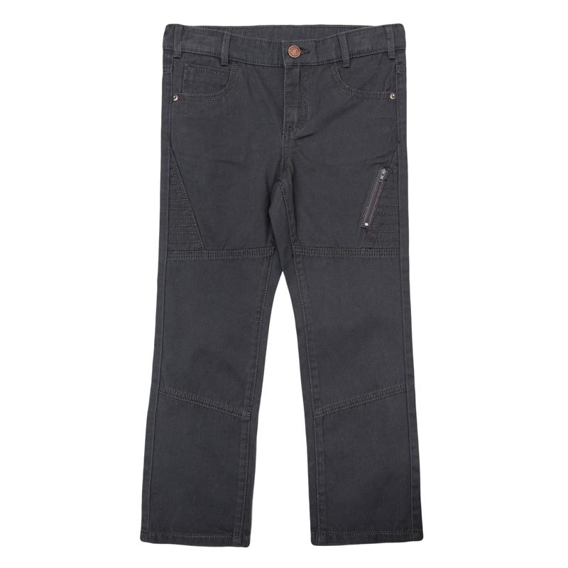 Брюки для мальчиков. 361057361057Стильные твиловые брюки графитового цвета. Классическая пятикарманка. Застегиваются на молнию и пуговицу, есть шлевки для ремня. Украшены декоративным карманом на молнии.