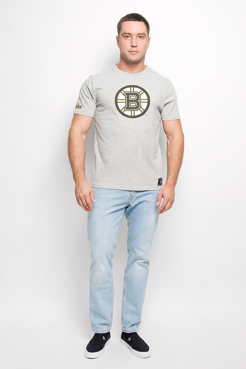 29170Мужская футболка NHL Boston Bruins, выполненная из натурального хлопка, порадует любого поклонника знаменитого хоккейного клуба. Материал очень мягкий и приятный на ощупь, не сковывает движения и позволяет коже дышать. Футболка с короткими рукавами имеет круглый вырез горловины, дополненный трикотажной резинкой. Изделие оформлено термоаппликацией в виде логотипа хоккейного клуба Boston Bruins с эффектом потрескавшейся краски, а также украшено небольшой текстильной нашивкой. Такая модель отлично подойдет для повседневной носки и подарит вам комфорт в течение всего дня! УВАЖАЕМЫЕ КЛИЕНТЫ! Обращаем ваше внимание на возможные незначительные изменения в дизайне нашивки.