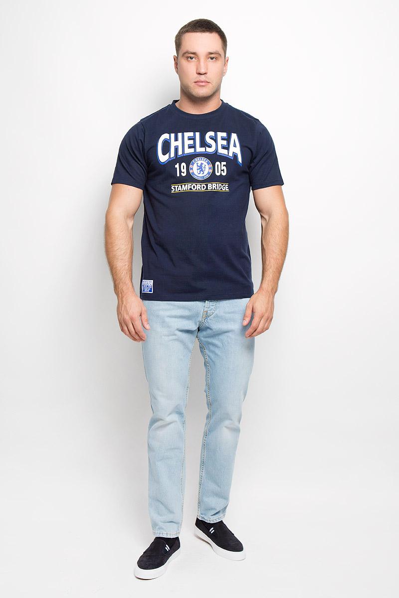 Футболка с логотипом ФК8720Стильная мужская футболка Chelsea, выполненная из высококачественного мягкого хлопка, обладает высокой теплопроводностью, воздухопроницаемостью и гигроскопичностью, позволяет коже дышать. Модель с короткими рукавами и круглым вырезом горловины оформлена термоаппликацией в виде эмблемы футбольного клуба, а также надписью Chelsea 1905 Stamford Bridge с эффектом потрескавшейся краски. Горловина дополнена трикотажной эластичной резинкой. В такой футболке вы будете чувствовать себя уверенно и комфортно.