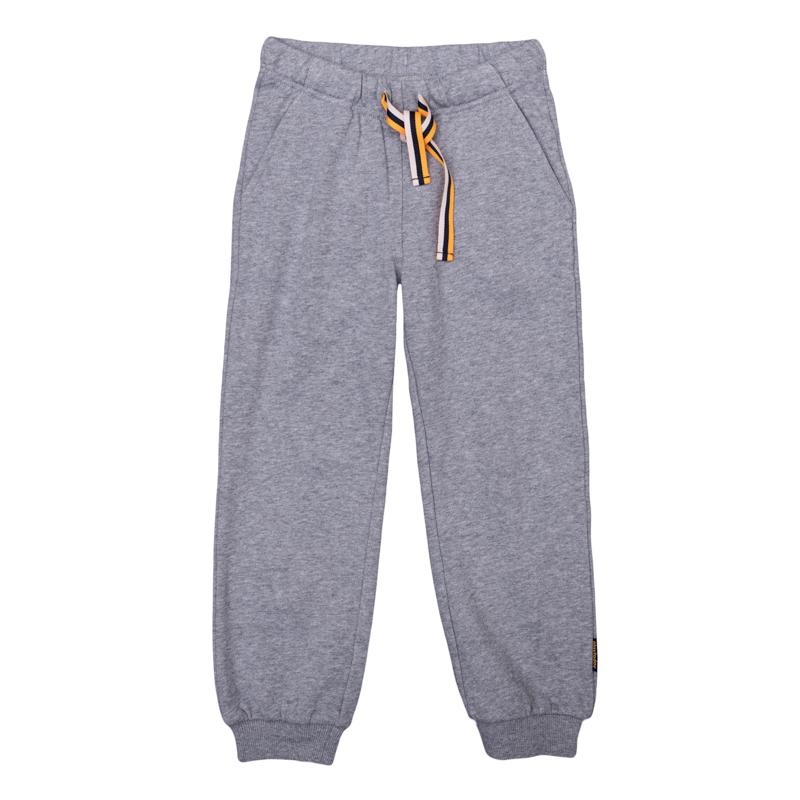 Брюки спортивные361068Уютные брюки из футера в спортивном стиле. Пояс на резинке, дополнительно регулируется яркой тесьмой. Есть 3 функциональных кармана. Низ штанишек на широкой трикотажной резинке.