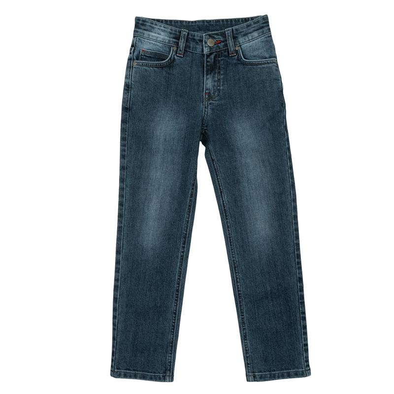 Джинсы361113Стильные брюки прямого кроя. Застегиваются на молнию и пуговицу, есть шлевки для ремня. Классическая пятикарманка.