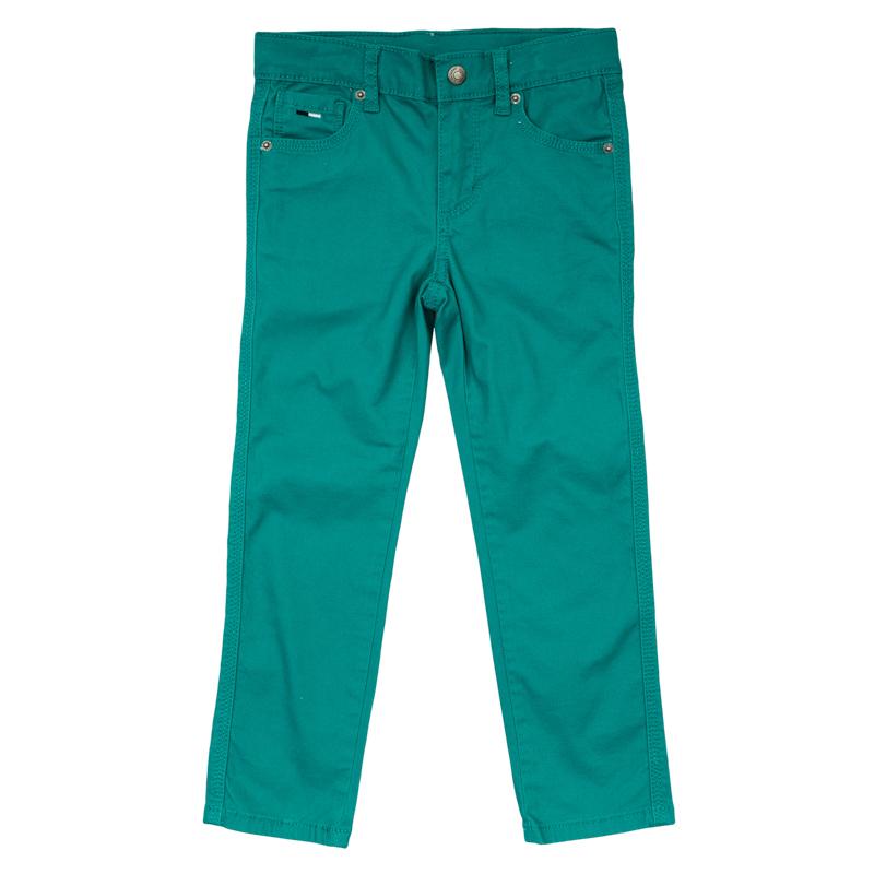 Брюки для мальчиков. 361159361159Стильные твиловые брюки зауженного кроя цвета темной бирюзы. Застегиваются на молнию и кнопку, есть шлевки для ремня. Классическая пятикарманка.