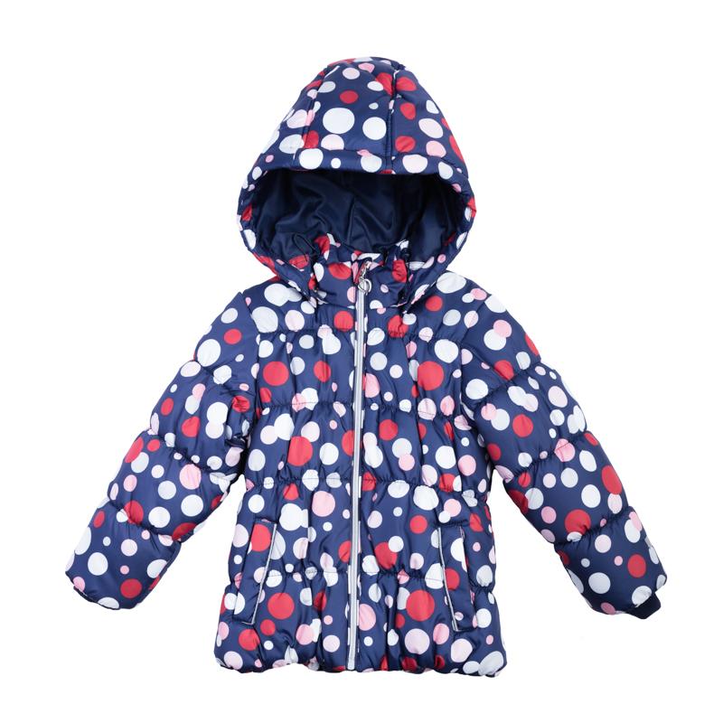 Куртка для девочек. 362001362001Мягкая и теплая стеганая куртка. Украшена ярким принтом в цветной горошек. Садится точно по фигуре ребенка, надежно защищая от ветра, снега и дождя. Застегивается на молнию с защитой подбородка и фигурным пуллером сердечком. На рукавах трикотажные манжеты. Внутри подкладка таффета. Капюшон утягивается стопперами, есть два кармана на липучках.