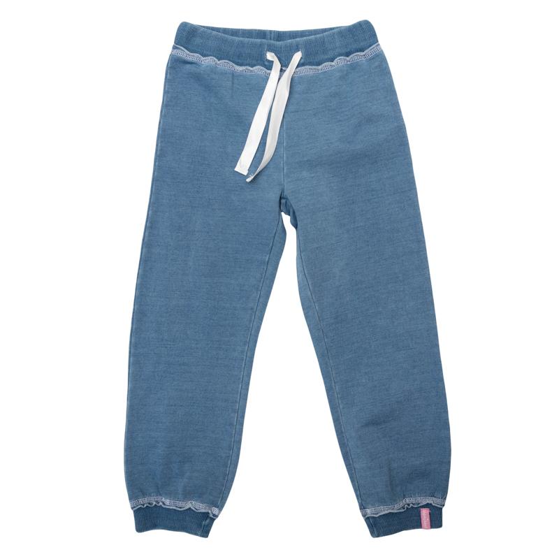 Брюки для девочек. 362060362060Стильные брюки из футера с имитацией денима. Низ и пояс на резинке, дополнительно регулируется лентой.