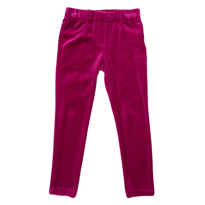 Брюки для девочек. 362075362075Уютные велюровые брюки яркого-розового цвета. Пояс на мягкой резинке, имитация застежки и карманов.