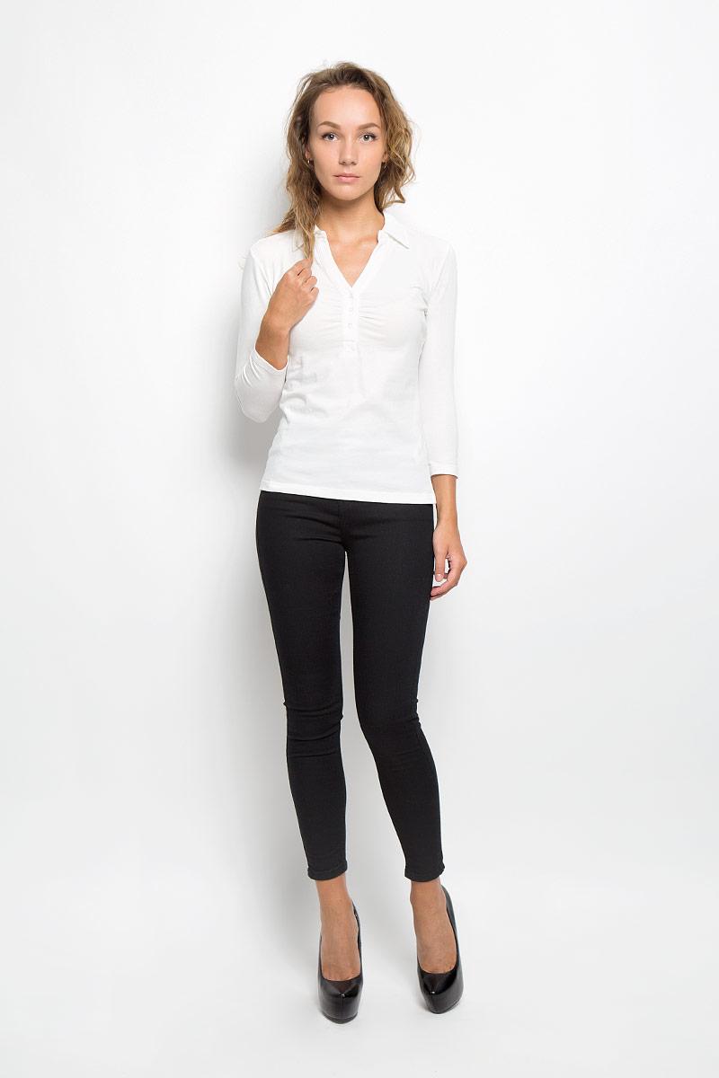 БлузкаTp-111/1068-6321Блузка Sela, выполненная из мягкой эластичной ткани, подчеркнет ваш уникальный стиль. Изделие тактильно приятное, не стесняет движений и позволяет коже дышать. Блузка с отложным воротником и рукавами длиной 3/4 застегивается спереди на три пуговицы. Модель имеет полуприлегающий силуэт. Такая блузка будет дарить вам комфорт в течение всего дня и послужит замечательным дополнением к вашему гардеробу.
