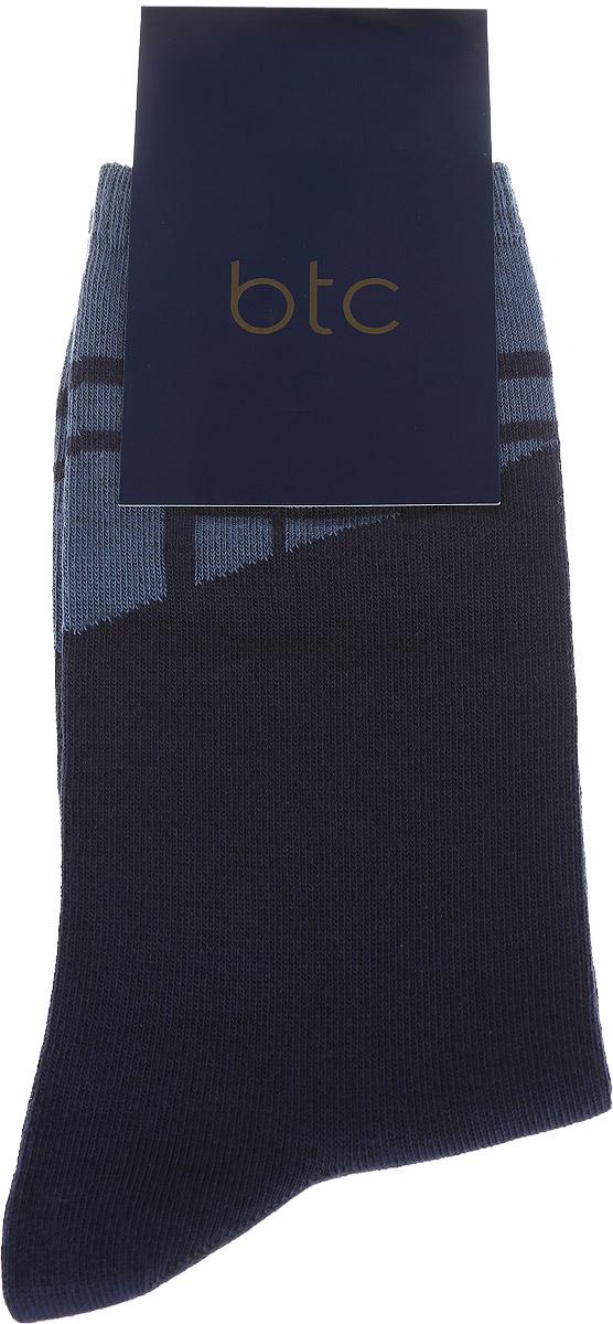 12.019191Удобные носки BTC, изготовлены из высококачественного комбинированного материала, который обеспечивает великолепную посадку. Очень мягкие и приятные на ощупь. Эластичная резинка плотно облегает ногу, не сдавливая ее, обеспечивая комфорт и удобство. Модель оформлена абстрактным рисунком на паголенке. Практичные и комфортные носки великолепно подойдут к любой вашей обуви.