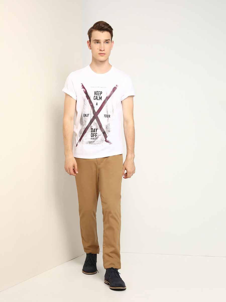 ФутболкаSPO2817BIМужская футболка, выполненная из 100% хлопка, оформлена ярким принтом с надписью. Модель со стандартным коротким рукавом и круглым вырезом горловины.