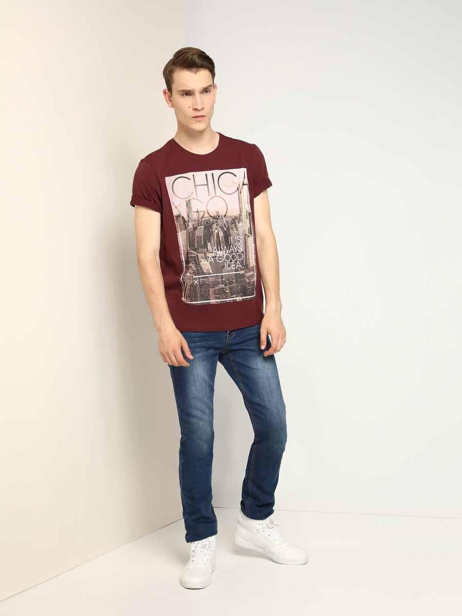 ФутболкаSPO2814CEМужская футболка, выполненная из 100% хлопка, оформлена ярким принтом с надписью. Модель со стандартным коротким рукавом и круглым вырезом горловины.