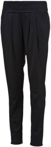 838432_01Спортивные брюки Puma ESS Drapy Pants W выполнены из тонкого, приятного на ощупь материала. Модель зауженного кроя. Модель декорирована вышитым логотипом Puma, имеет складывающийся мягкий пояс из основного материала и свободный покрой.