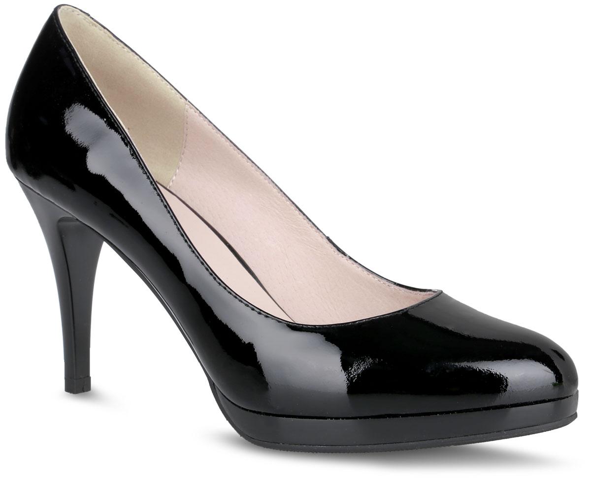 Туфли женские. 8315183151Элегантные туфли от Vitacci не оставят вас незамеченной! Модель выполнена из натуральной лакированной кожи. Округлый носок смотрится невероятно женственно. Мягкая стелька из натуральной кожи с названием бренда комфортна при ходьбе. Каблук устойчив и компенсирован небольшой платформой. Рифленая поверхность подошвы гарантирует отличное сцепление с любыми поверхностями. Стильные туфли - незаменимая вещь в гардеробе настоящей модницы! Они подчеркнут ваш стиль и индивидуальность.