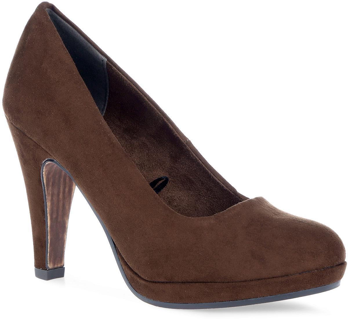 Туфли лодочки. 2-2-22441-37-3052-2-22441-37-305Изысканные туфли лодочки от Marco Tozzi добавят шика в модный образ и подчеркнут ваш безупречный вкус. Модель выполнена из качественной искусственной замши. Закругленный носок добавит женственности в ваш образ. Подкладка выполнена из мягкого бархатистого текстиля, комфортного при движении. Стелька выполнена из мягкой искусственной кожи. Модель дополнена высоким устойчивым каблуком. Подошва с рифлением защищает изделие от скольжения. Такие элегантные туфли займут достойное место в вашем гардеробе.