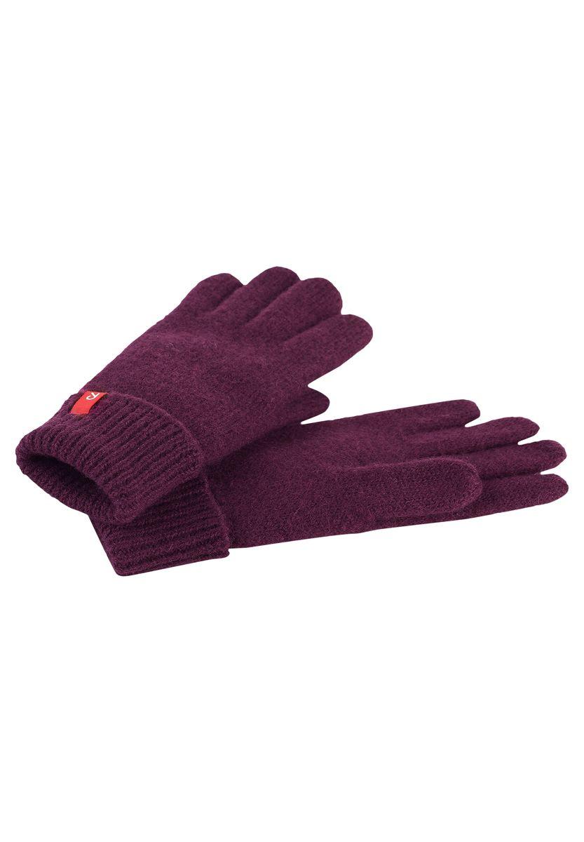 Перчатки детские. 527235527235-4900Теплые шерстяные детские перчатки Reima станут великолепным дополнением образа и защитят руки ребенка от холода и ветра во время прогулок. Перчатки выполнены из 100% шерсти, которая надежно сохраняет тепло и обеспечивает удобство и комфорт при носке. Модель дополнена фирменным ярлычком бренда. Такие перчатки будут оригинальным завершающим штрихом в создании современного модного образа, также станут незаменимым и практичным аксессуаром в детском гардеробе.