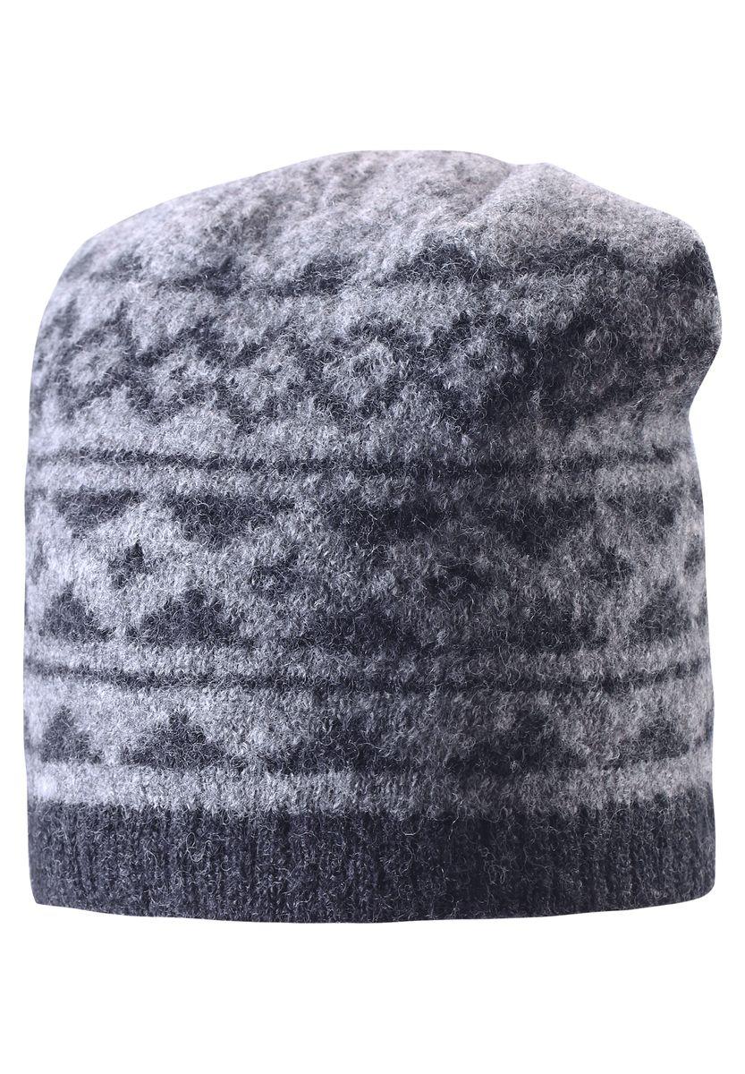 528487-6980Детская шерстяная шапка отлично согреет в морозный зимний день. Шапка с подкладкой из мягкого и плотного эластана с хлопком очень приятна на ощупь. Шерсть замечательно регулирует температуру, поэтому вашему малышу в ней будет максимально комфортно. Ветронепроницаемые вставки в области ушей защищают ушки от холодного ветра. Эту стильную шапку дополняет красивый скандинавский рисунок и оригинальная структурная вязка.
