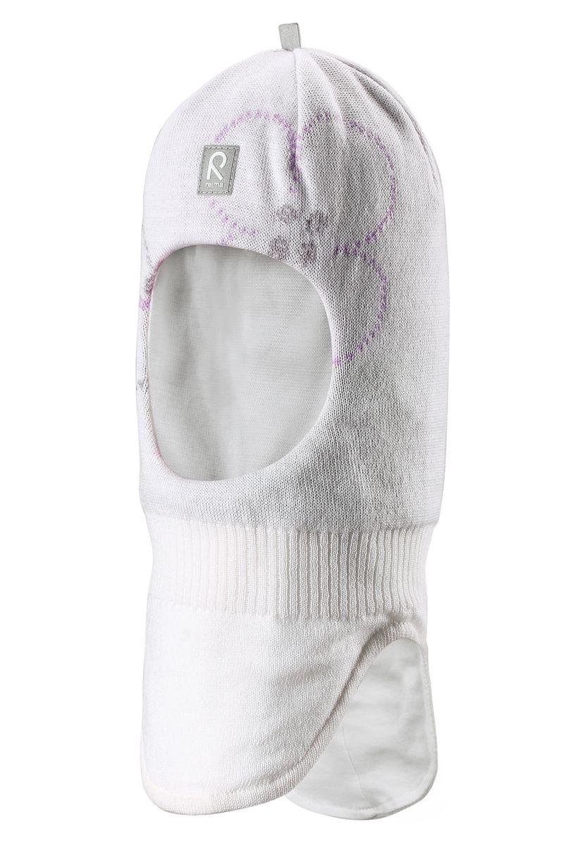 Шапка528494-0110Эта теплая шапочка-шлем для малышей и детей постарше идеально подходит для снежных приключений и зимних прогулок. Она сделана из ветронепроницаемого материала на приятной хлопчатобумажной подкладке. Ветронепроницаемые вставки в области ушей защищают от зимнего ветра, а красивый жаккардовый узор завершает зимний образ!