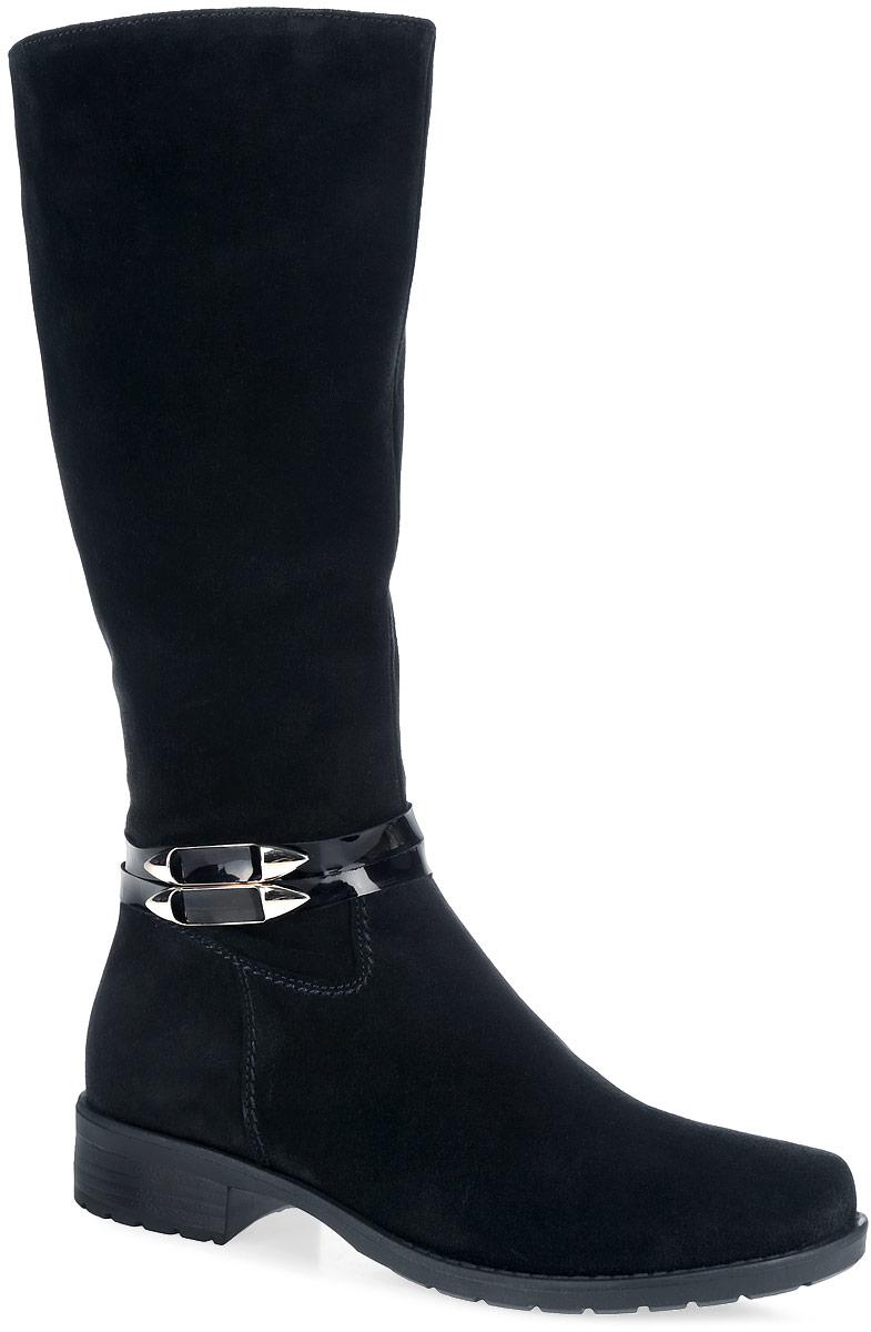 Сапоги для девочки. 5423954239Стильные сапоги от Kapika приведут в восторг вашу юную модницу. Модель полностью выполнена из натурального велюра и оформлена декоративными ремешками с лаковой поверхностью. Сапоги фиксируются на ноге с помощью удобной молнии. Подкладка и стелька из ворсина гарантируют тепло и комфорт. Подошва, выполненная из ТЭП-материала, имеет небольшой удобный каблук. Рифленая поверхность подошвы гарантирует отличное сцепление. Такие стильные и практичные сапоги займут достойное место в гардеробе вашей девочки.